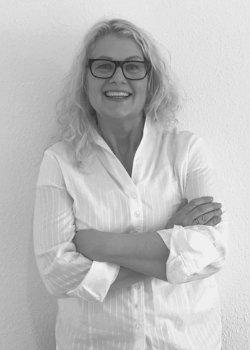 Sacha-Leonore Schneider ist Ihr Ordnungscoach im Ordnungsservice Weierbach